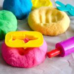 استفاده از خمیر بازی در درمان کودکان مبتلا به اختلال نقص توجه – بیش فعالی